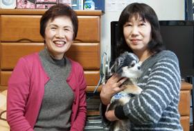 「西村さん(写真左:エスプリ代理店)には孫の病気のことで、相談にのっていただきました」と木下様(写真右)
